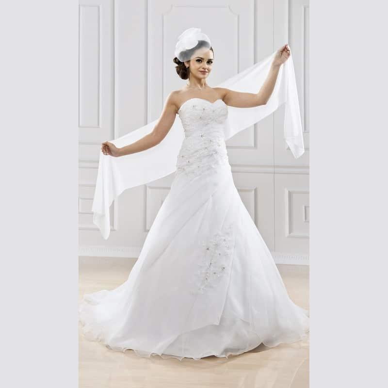 comment r ussir un mariage pas cher et une robe de mari e pas cher. Black Bedroom Furniture Sets. Home Design Ideas