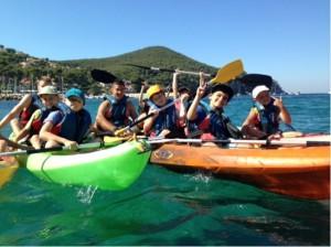 Sortie en kayak dans les calanques pour les colonies de vacances