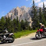Quels sont les avantages d'un voyage à moto en Corse?